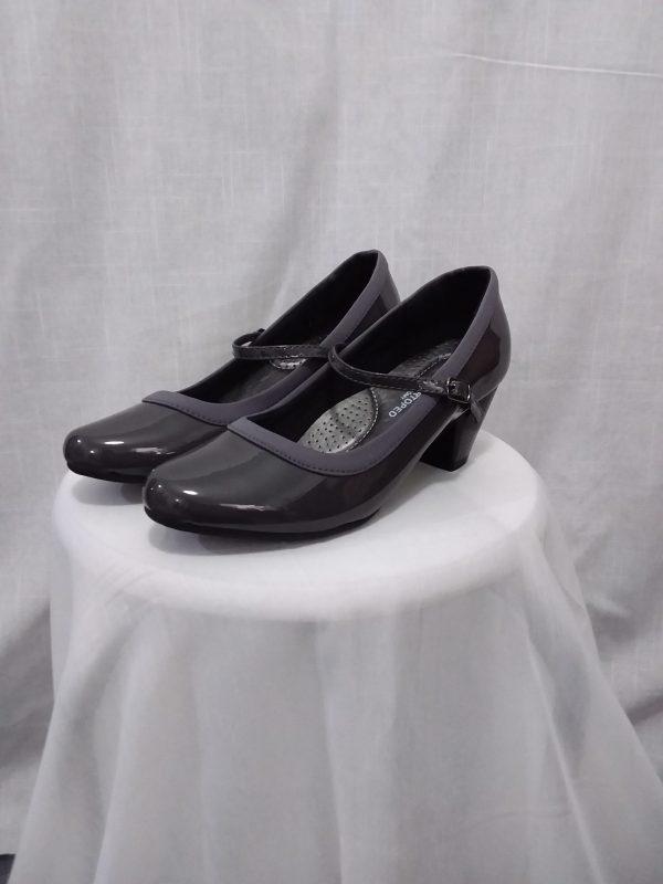 נעל בובה מבריקה soft ortoped