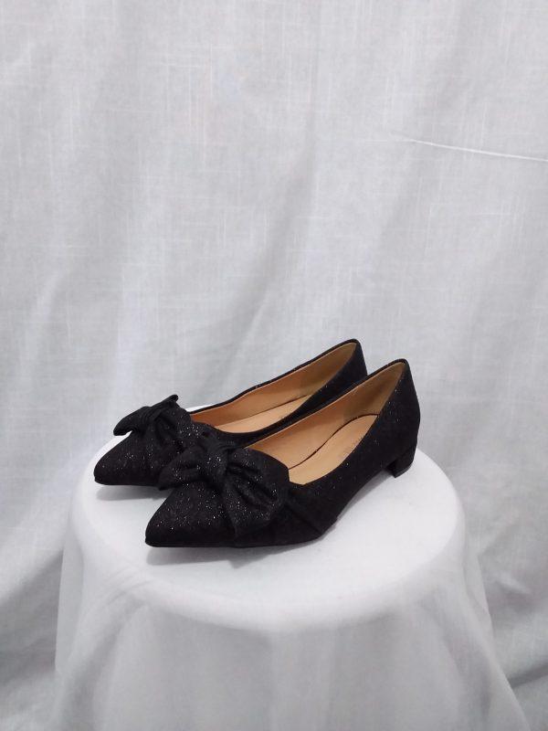 נעלי שפיץ נצנץ עקב קטן ופפיון
