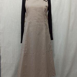 שמלה אירופאית קלאסית עם כפתורי-צד